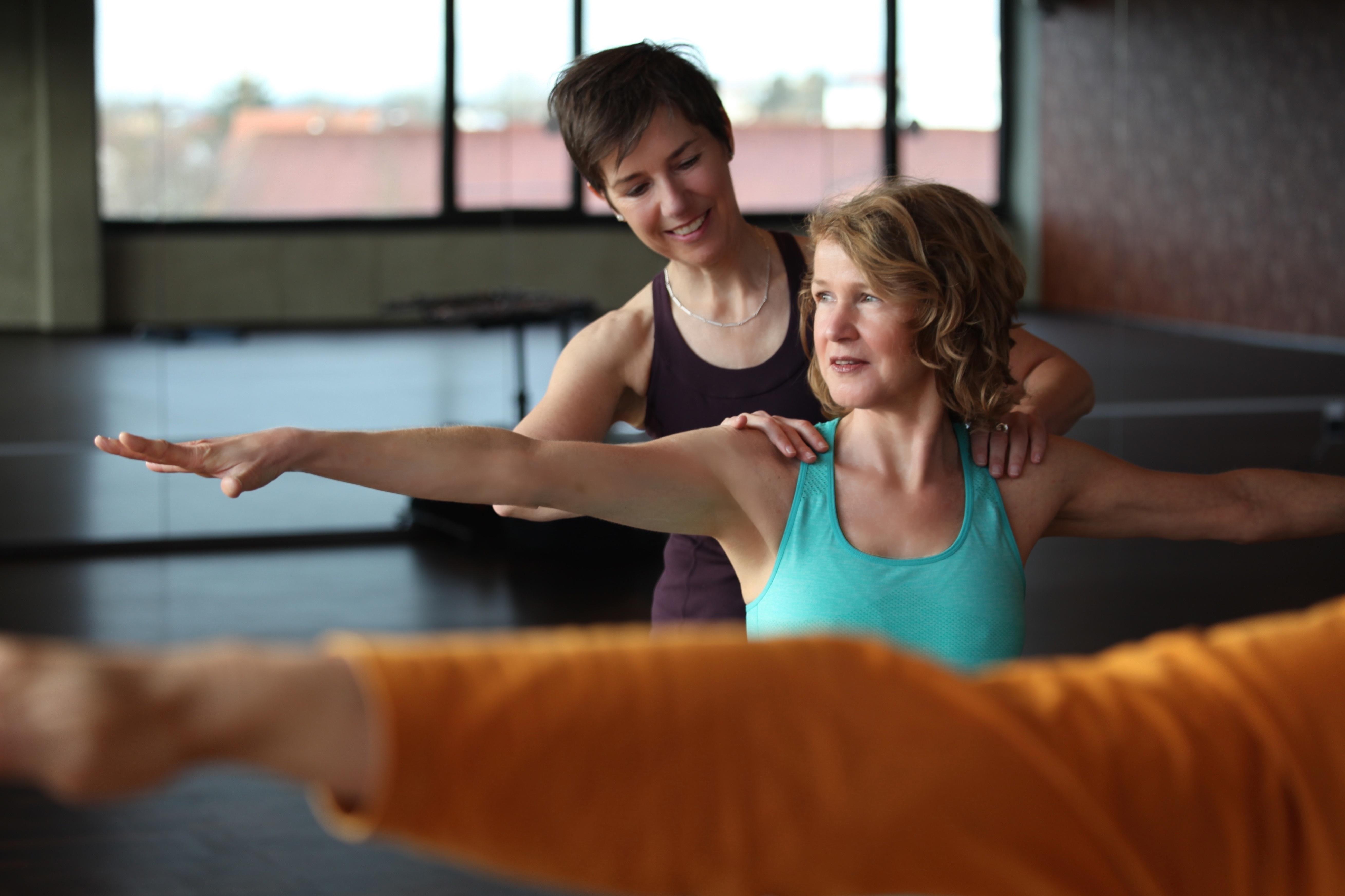 Yogaübung Hilfestellung